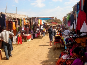 anjuna-wednesday-flea-market-goa